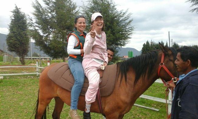 Corpoalegría Montando a caballo.jpg